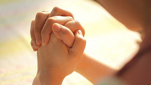 Las 4 Mejores Oraciones Poderosas para el Amor