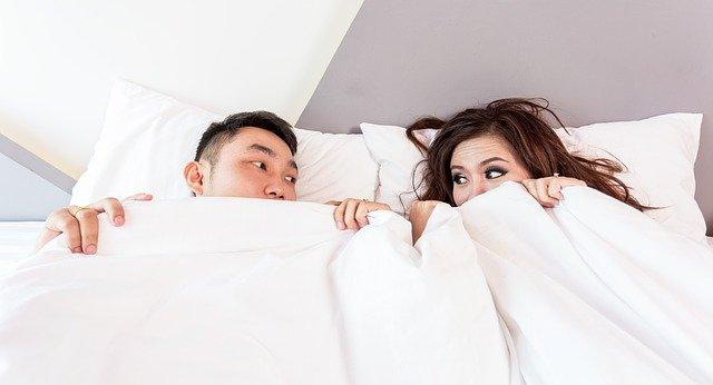 Consejos para dormir en pareja de la forma más cómoda posible